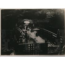 1919 Press Photo Prince of Blood with Cavalcade of Servants on Sacred Bridge