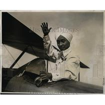 1930 Press Photo Gokal Singh in cockpit of his plane