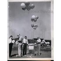 1944 Press Photo Cosmic Ray Detective Apparatus Carried by Helium Filled Balloon