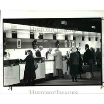 1986 Press Photo Cleveland Hopkins International Airport, ticket counters