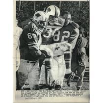 1970 Press Photo Buffalo Bills Running Back OJ Simpson Taken Off Field