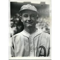 1930 Press Photo Athletics Pitcher Bill Shores