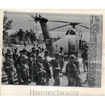 1952 Press Photo Armed South Vietnamese troops at Me Lang village