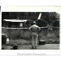 1985 Press Photo Jim Dunlap crashing his 182 Cessna en route Akron