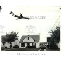 1986 Press Photo Airports noise abatement which involves buying out properties