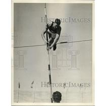 1928 Press Photo Jack Williams finishes in second place for Olympic team