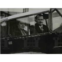 1935 Press Photo Mr & Mrs N Barry Littlejohn in planes cockpit