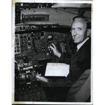 1970 Press Photo X plane instrument panel & officer Gordon Puckett - nex85317