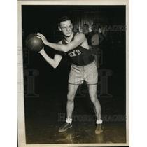 1927 Press Photo John Watters, guard, Yale University basketball team