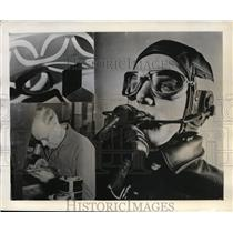 1941 Press Photo American Optical Co & glare resistant pilot goggles