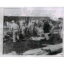 1963 Press Photo Firemen and Air Force With Wreckage of F84 Jet in Tampa, FL