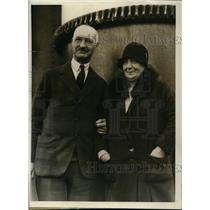 1930 Press Photo Arthur L. Clarke And Wife Pay Visit To Boston
