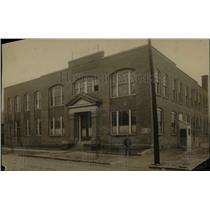 1911 Press Photo The Lattin Bloomfield & Co.Skirt Mfas building - cva90235