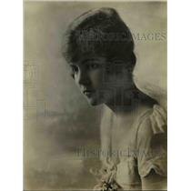 1915 Press Photo Miss Gertrude Fischer of Philly Voted Prettiest Girl in America