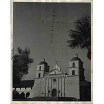 1944 Press Photo Historic Santa Barbara Mission Plane Fly Over Tower