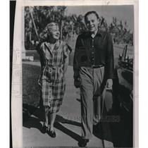 1948 Wire Photo Mr. and Mrs. Winthrop Rockefeller - cvw06548