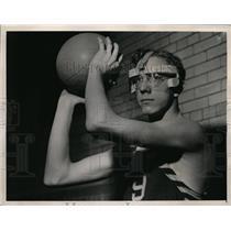 1941 Press Photo Dick Dikeman Southeastern High basketball player - nes41447