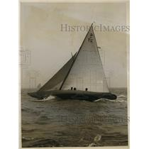1928 Press Photo Yacht Natka bought by Robert Stephens wins race in NY