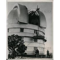 1939 Press Photo mirror being installed at McDonald Observatory, Fort Davis TX