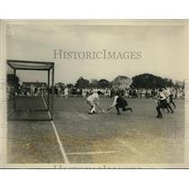 1928 Press Photo US vs English girls field hockey at Merion club in PA