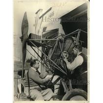 1931 Press Photo William Knoblock Showing Arrigo Balbone His Electric Aircraft