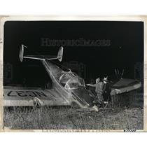 1941 Press Photo Warner Leighton points out plane didnt make happy landing