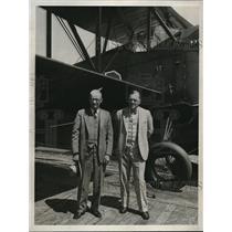 1931 Press Photo Bullion & Al Day of Detroit pose with aircraft - neb38387