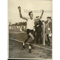 1922 Press Photo Elmer Prim winning 5 Mile Race at meet in Teequahic Park