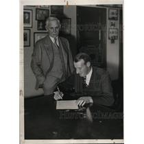 1933 Press Photo Leon Goose Goblin of the Senators & club president C Griffith