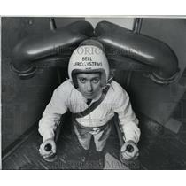 1968 Press Photo William Suitor, Bell Aerosystems wears Jet Flying Belt mock-up