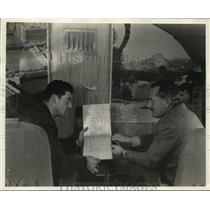 1940 Press Photo Project Engineer Gillmore & Factory Rep Beals Plane Designers