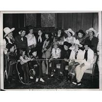 1934 Press Photo Rodeo cowgirls at luncheon of Mrs Wm R Hearst in NYC