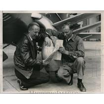 1935 Press Photo James C.Prosser and Gilbert Stoll on Non-stop Distance Flight