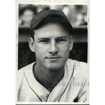 1934 Press Photo Gerald Walker, Outfieldr for Detroit Tigers - cvs03326