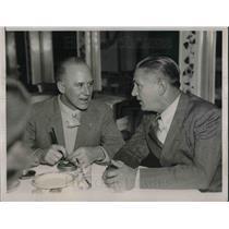 1937 Press Photo Pilot Dick Merrill at Cotton Club with Soviet pilot HH Kenyon