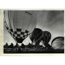 1983 Press Photo Hot air balloons filled skies lifted off from Franklin Park