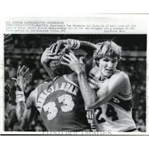 1953 Press Photo Supersonic Tom Chambers vs Laker Kareem Abdul Jabbar