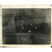1929 Press Photo Parachutes deployed