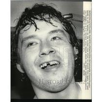 1976 Press Photo Philadelphia Flyer Reggie Leach score 5 goals vs Boston