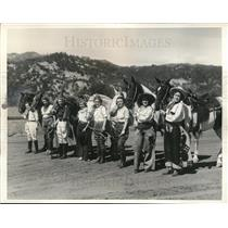1935 Press Photo Calistoga CA Trail N Jubilee rodeo girls for pony race