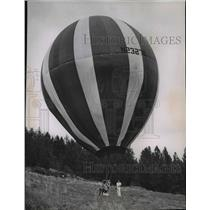 1969 Press Photo Balloons