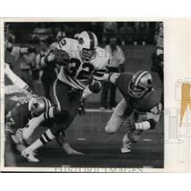 1994 Press Photo OJ Simpson of Bills runs 273 yards in NFL record vs the Lions