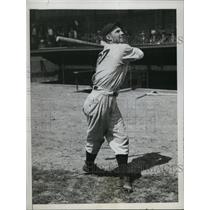 1934 Press Photo Gerald H Walker utility outfielder of Detroit Tigers