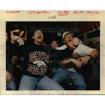 1998 Press Photo Huge Denver Broncos fans celebrating team's win - orb52279