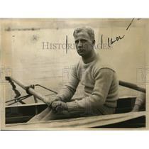 1923 Press Photo Captain B Pelley of Yale varsity crew on Charles River