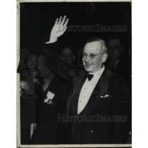 1936 Press Photo Allan Landon greets Founders Day audience in Lincoln