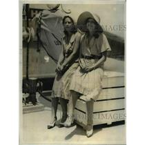 1931 Press Photo Delphine Silva and sister Lucille sailed on Calawaii to L.A