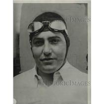1929 Press Photo Deacon Lilu an auto race car driver ready for a race