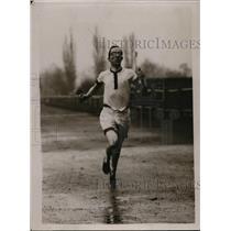 1921 Press Photo WR Hilligan in a track race in rain storm - net00821