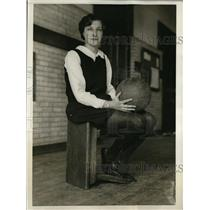 1929 Press Photo Temple high jumper and basketball captain Jean Shirley